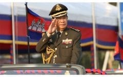 Hun Sen Dares Critics, Within and Without, to Challenge Him