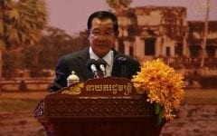 Hun Sen Calls for Controls on Online Expression