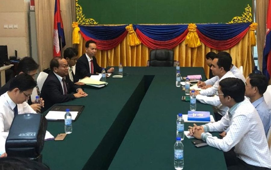 A meeting with government officials and representatives of rights groups Licadho and Sahmakum Teang Tnaut on September 4, 2019 at the Council of Ministers in Phnom Penh (Khun Vanda/VOD)