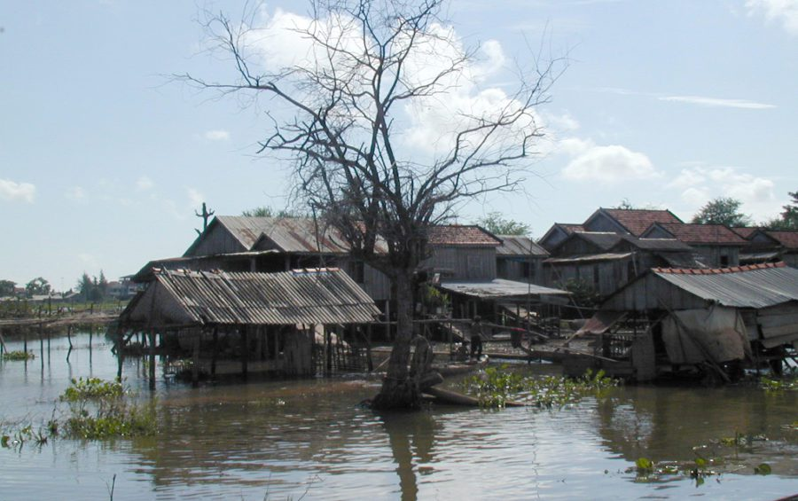 Flood plains in Cambodia (Adelia Ribier/WorldFish)
