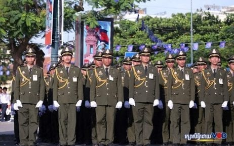 Cambodian soldiers celebrate the 65th anniversary of the nation's independence on November 9, 2018. (Chorn Chanren/VOD)