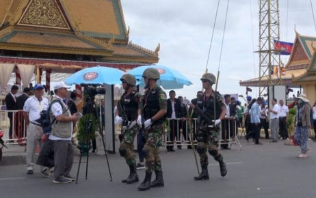 Security forces at the Water Festival in Phnom Penh in November 2018. (Chorn Chanren)