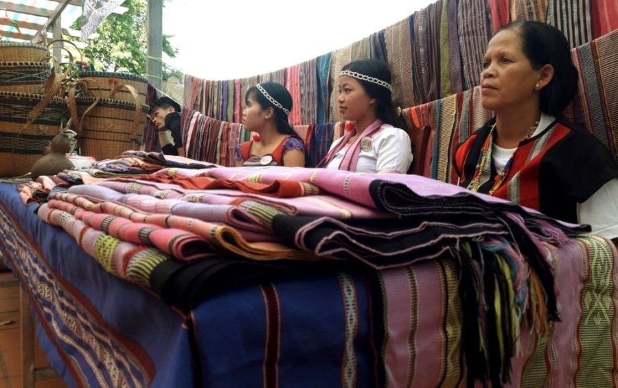 Indigenous women display handicrafts at a conference on food security in Phnom Penh on October 29, 2019. (Saut Sok Prathna)