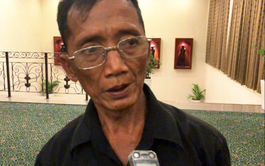 Romas Mam, an indigenous Jarai representative from Ratanakiri province's O'Yadaw district, speaks to a reporter at the Extractive Industries Governance Forum in Phnom Penh on November 22, 2019. (Hun Sirivadh/VOD)