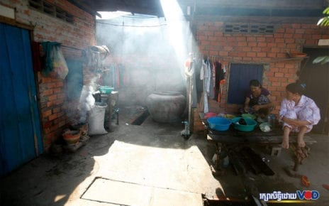 Workers' accommodations in Phnom Penh (Panha Chhorpoan/VOD)