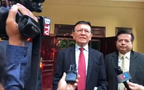 Kem Sokha speaks to reporters at his house in Phnom Penh on the morning of January 22, 2020. (Chorn Chanren/VOD)