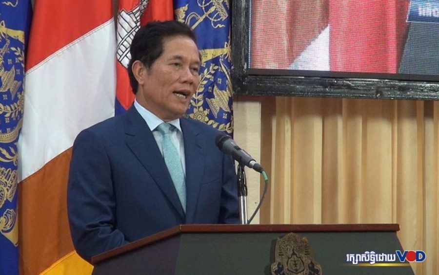 Phnom Penh governor Khuong Sreng speaks at a press conference at the Council of Ministers building in the capital on June 16, 2020. (Chorn Chanren/VOD)