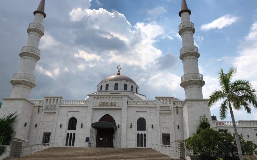 Al-Serkal Mosque in Phnom Penh's Daun Penh district on September 11, 2020, the day it was allowed to reopen after a six-month ban on religious gatherings. (Matt Surrusco/VOD)