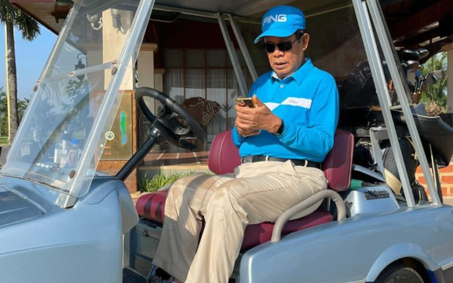 Prime Minister Hun Sen ventures out for a round of golf following two weeks of quarantine on November 19, 2020, in a photo posted to his Facebook page.