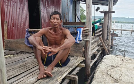 Muoy Sai, 65, a fisherman who lives in a stilted house on Boeng Thom Angkep in Preah Sihanouk province, on December 1, 2020. (Danielle Keeton-Olsen/VOD)