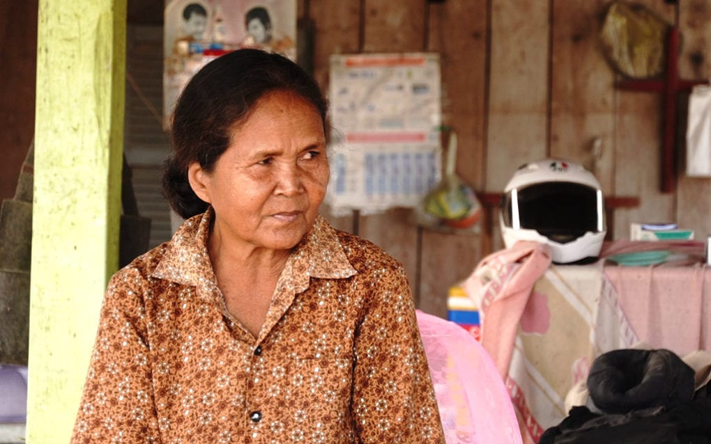An Ex-Khmer Rouge Medic, Working Unlicensed, Fills Gaps in Health Care