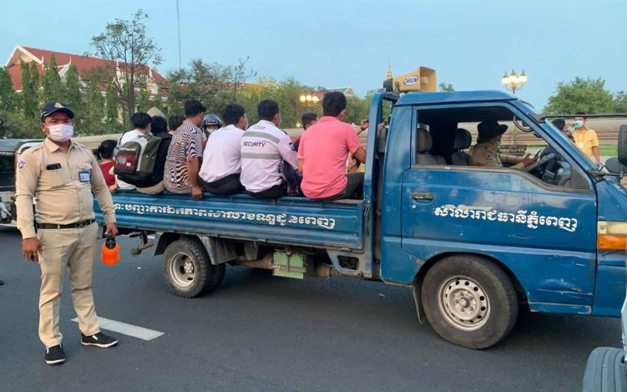 Daun Penh authorities truck away violators of Covid-19 lockdown measures, in a photo posted to the district administration's Facebook page on April 20, 2021.
