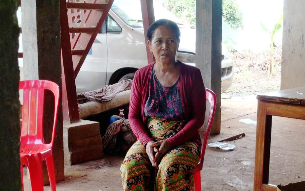 Moeun Phalla, wife of jailed CNRP activist Om Yeath, talks about continuing to be brave under pressure, in Tbong Khmum province's Suong city on May 20, 2021. (Chorn Chanren/VOD)