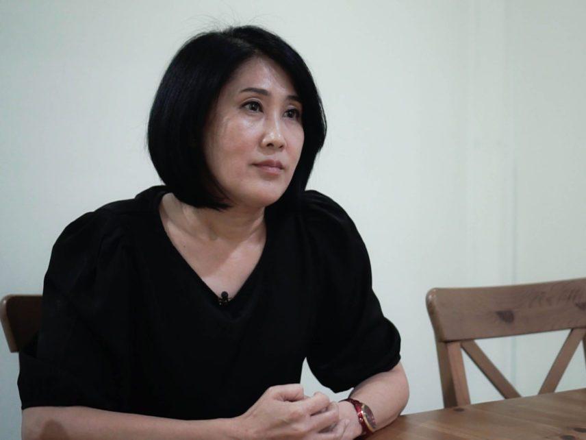Sitanun Satsaksit during an interview in April 2021. (Anna Lawattanatrakul/Prachatai)