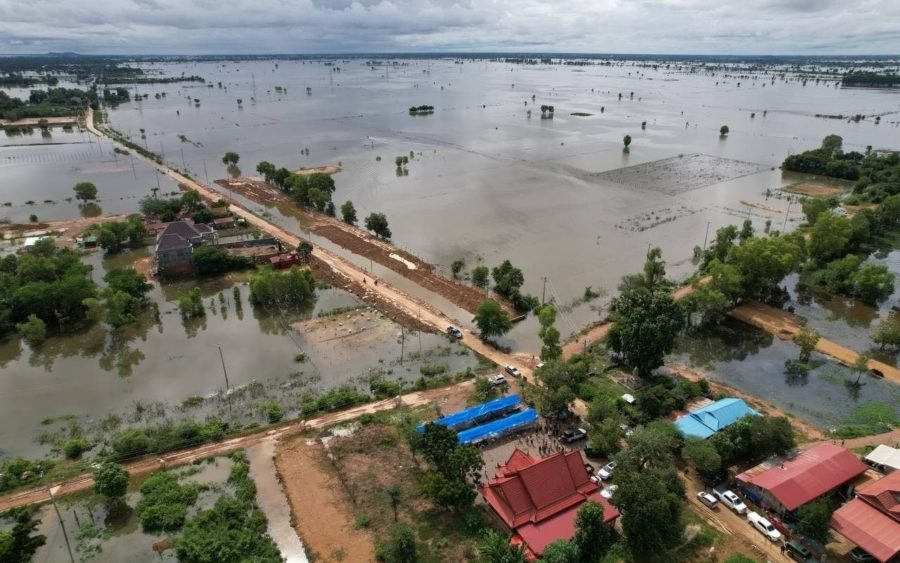 Thousands of families are affected by flooding in Banteay Menachey province, destroying state infrastructure and 25,200 hectares of crops.