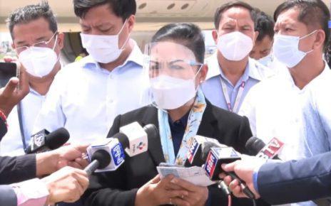Health Ministry spokesperson Youk Sambath at the Phnom Penh International Airport on October 14, 2021. (AKP)